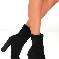 Howl and Hunt Black Pointed Toe Mid-Calf Boots