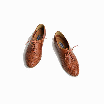 Vintage Woven Leather Oxfords in Sienna Brown / 90s Dr Scholl's Shoes  / Woven Leather Shoes - women's 8
