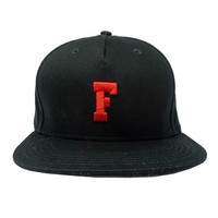 Focus Snapback Hat in black and red