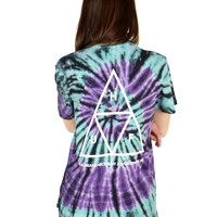 TRIPLE TRIANGLE SPIRAL TEE