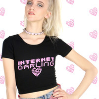 INTERNET DARLING CROP TOP