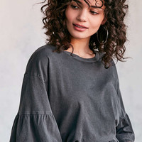 Truly Madly Deeply Garner Ruffle-Sleeve Tee - Urban Outfitters
