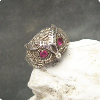 Vintage Sterling Ring  Ruby Owl Stunning Detail R5461