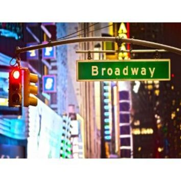 "BROADWAY SIGN AND RED STOP LIGHT IN NEW YORK CITY AT NIGHT LIMITED PRICE SALE DISCOUNT 25% STUNNING CANVAS ART PRINT 36""X24"" A1 90cmx60cm"