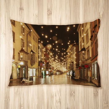 Streets Aglow Pet Bed