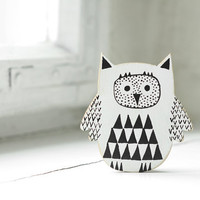hand painted wooden magnet - black&white owl READY TO SHIP