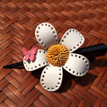 Flower Hair Clip / White Leather Daisy & Butterfly