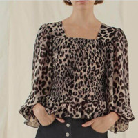New women's square collar, short slim shirt with long sleeves and black ears