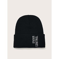 Men Letter Embroidery Cuffed Beanie