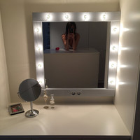 Make up Mirror with lights - Vanity mirror in many colors - Hollywood style mirror -  wall hanging or stand alone - miroire maquilleuse