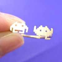 Atari Space Invaders Arcade Alien Pixel Adjustable Ring in Gold