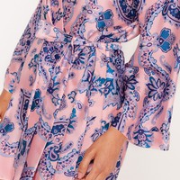 Missguided - Printed Kimono Sleeve Satin Dressing Gown Pink