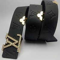 Louis Vuitton LV classic metal letter buckle logo embossed belt fashion men's and women's belts