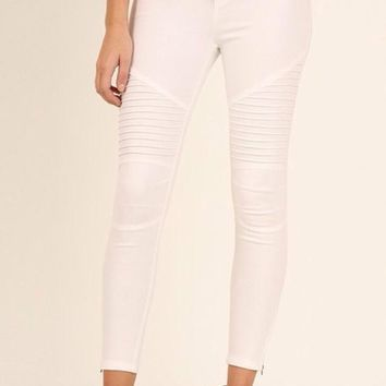 Umgee Washed Moto Jeggings with Pintuck and Zipper Detail