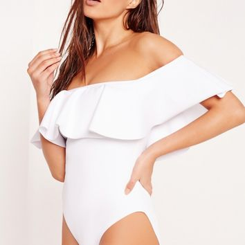 Missguided - ABAD x Missguided Frill Bardot Swimsuit White