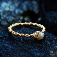 Gold Pearl Ring, 18k gold plated, real pearl, delicate ring, classic pearl, beaded band, bridesmaids ring, gift for daughter