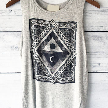 Triangular Patterned Sun Moon Graphic Tank Top