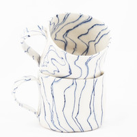 Wavy stripe mug with handle