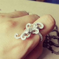YAN & LEI Alloy Spinning Flower Vine Ring