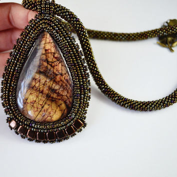 Fire necklace labradorite, stone necklace, unique necklace , a gift for her,  handicraft, seed beads necklace, labradorite