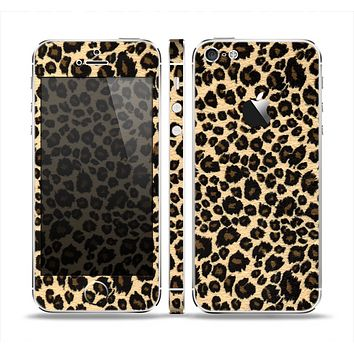 The Small Vector Cheetah Animal Print Skin Set for the Apple iPhone 5