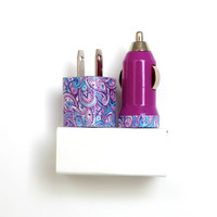 Daisy Paisley Purple iPhone Charger   Accessories includes portable USB charger & mobile car charger for iPhone 6   6s   iPhone 5   5s   5c