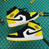Air Jordan 1 Mid Se Yellow Toe Sneakers - Best Online Sale