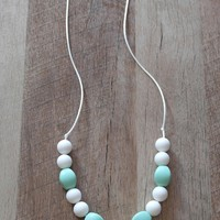 The Ella Chunky Mint Teething/Nursing Necklace