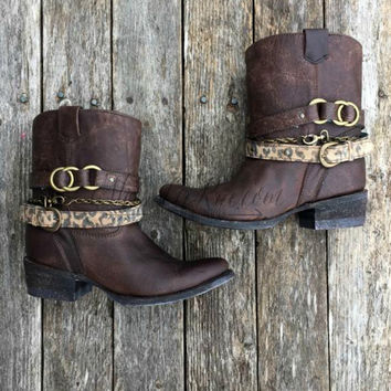 CORRAL BOOTS BROWN & MIX STRAP SHORT TOP BOOT