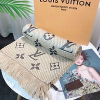 Louis Vuitton LV classic fringed shawl fashion men and women scarf