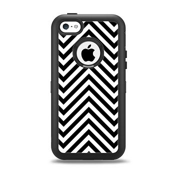 The Black & White Sharp Chevron Pattern Apple iPhone 5c Otterbox Defender Case Skin Set