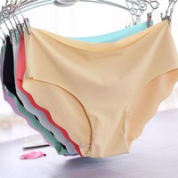 Women Invisible Seamless Soft Thong Lingerie Briefs Hipster Underwear Panties