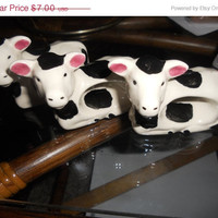 25 % store wide sale Darling vintage ceramic cow napkin rings