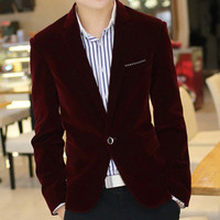 Men's Sleek Velvet Blazer