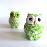 Owls Salt and Pepper shakers Green and White Owls