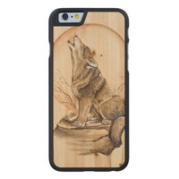 Howling Wolf on Maple Wood iPhone 6 Case