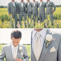 New Arrivals Two Buttons Groom Tuxedos Notch Lapel Groomsmen Men Wedding Tuxedos Dinner Prom Suits (Jacket+Pants+Vest+Tie)