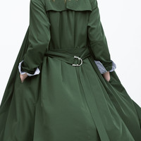 Drapey trenchcoat with striped lining