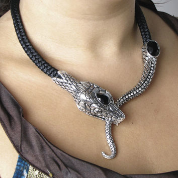 Temptation of Hawa Necklace - New Age, Spiritual Gifts, Yoga, Wicca, Gothic, Reiki, Celtic, Crystal, Tarot at Pyramid Collection