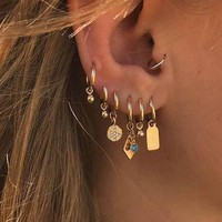 Small Dangle Chic Earrings