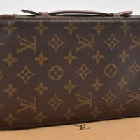 Authentic Louis Vuitton Monogram Escapade Travel Case M60113 #S2360