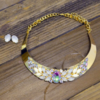 Cheverly Ivory Floral Hardware Plate Necklace Set