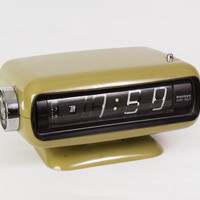 70s Green Japanese Space Age Alarm Clock / Sankyo Avocado Green Retro Table Clock / Rare Retro Eames Era Bedroom Decor Flip Clock