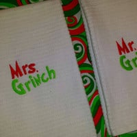 GRINCH MR. & MRS. TOWELs HiS and HeRs SeT ADoRaBLe Couple GRiNCHMAS GiFTS BoUTIQUE UniQUe Designs by Sugarbear Great for YeaR RounD Use!