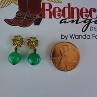 Cute petite vintage goldtone or may be gold filled green bead earrings with flower design post.Estate sale find. TEMPT Team.