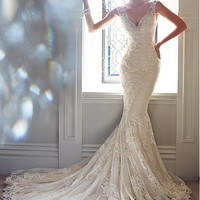 [269.99] Glamorous Tulle V-neck Neckline Natural Waistline Mermaid Wedding Dress With Lace Appliques - Dressilyme.com