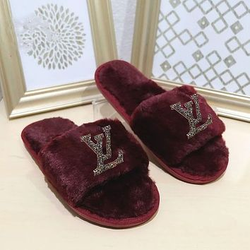 LV Louis Vuitton New style wool slippers, home bright diamond flat bottom warmth slippers, fashion cotton slippers