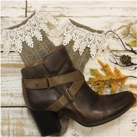 FALL lace ankle boot socks - brown