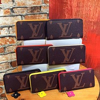 Hipgirls Louis Vuitton LV new printed letter men and women stitching color long zip wallet