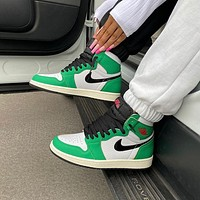 NIKE Air Jordan 1 AJ1 Lucky Green Sneaker